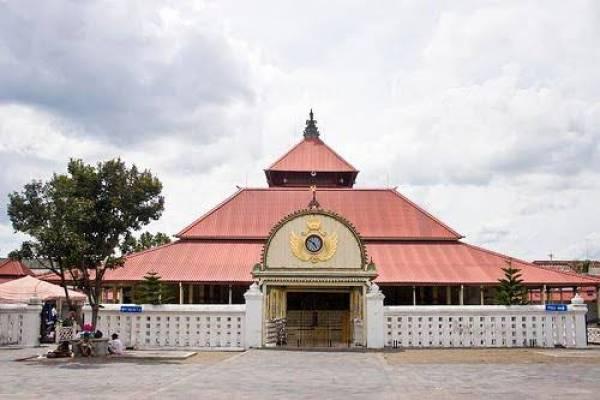 Masjid Gedhe Kauman Yogyakarta dan Keunikannya